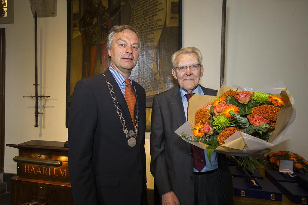 Carel Bakker lid in de Orde van Oranje Nassau