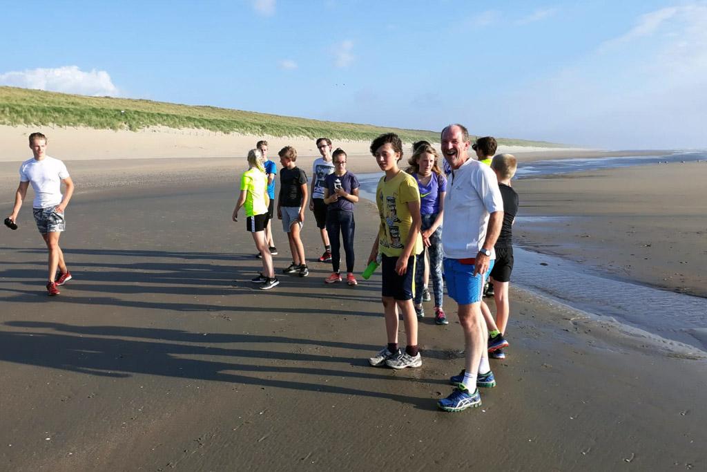 De jaarlijkse duurloop naar het strand
